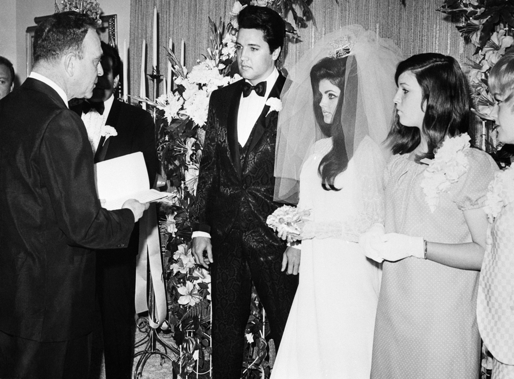 Priscilla and Elvis Presley wedding 1 may 1967 Las Vegas,Nevada