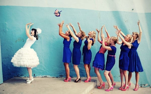 bouquet_toss