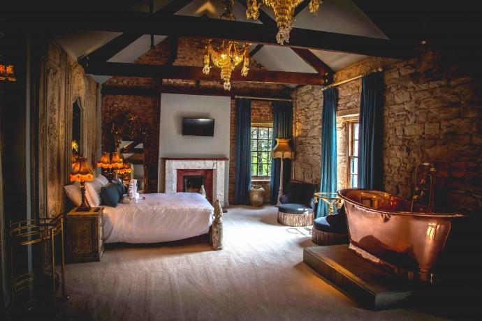 bedroom suite lower res