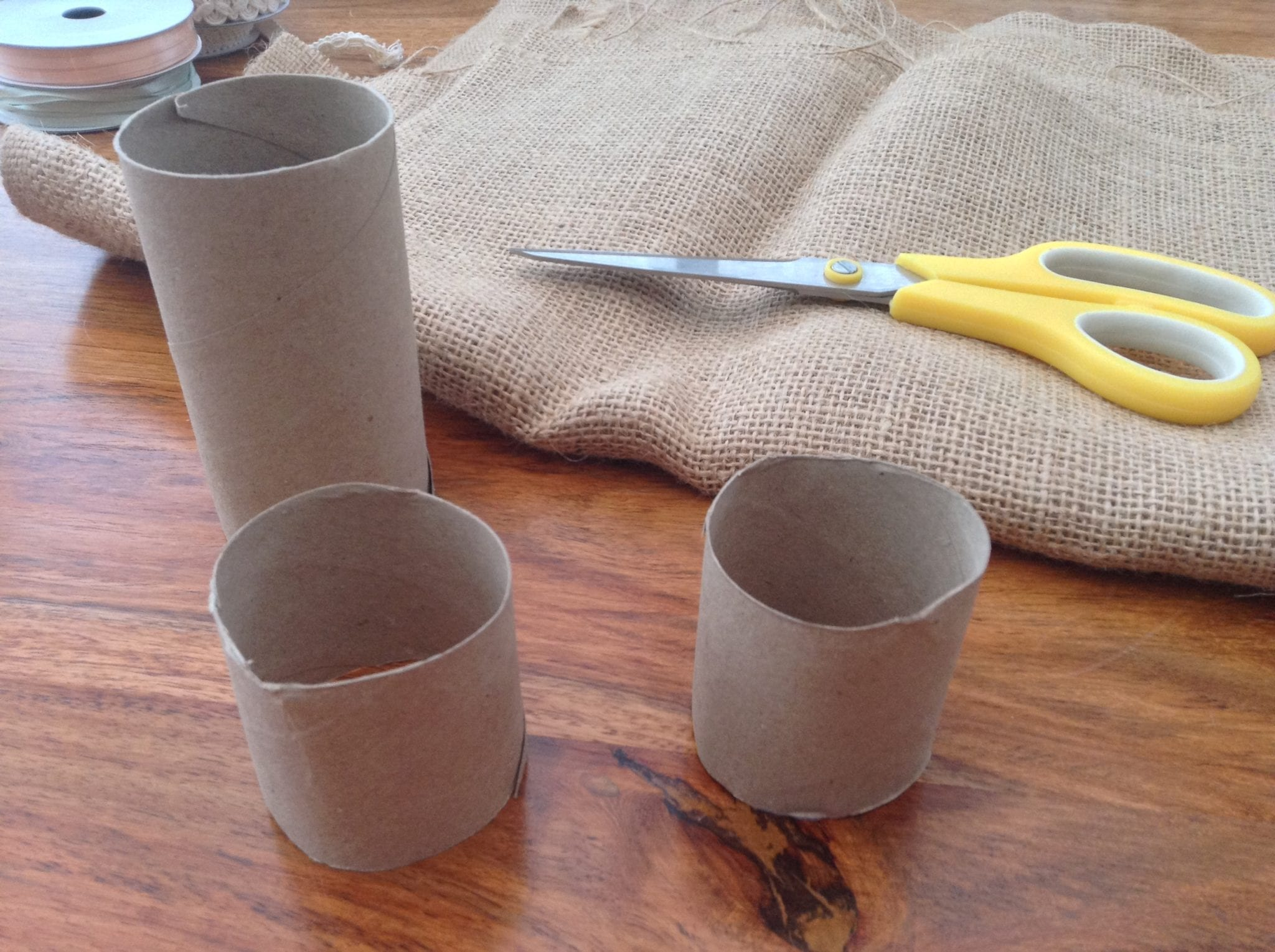 DIY Hessian Napkin rings