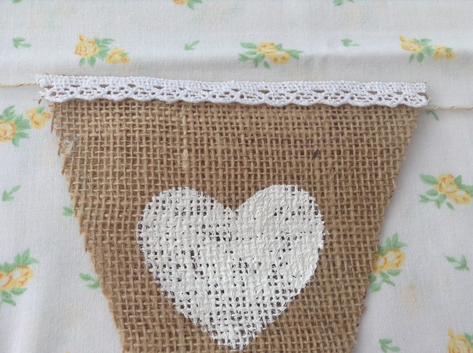 11. Bunting lace trim