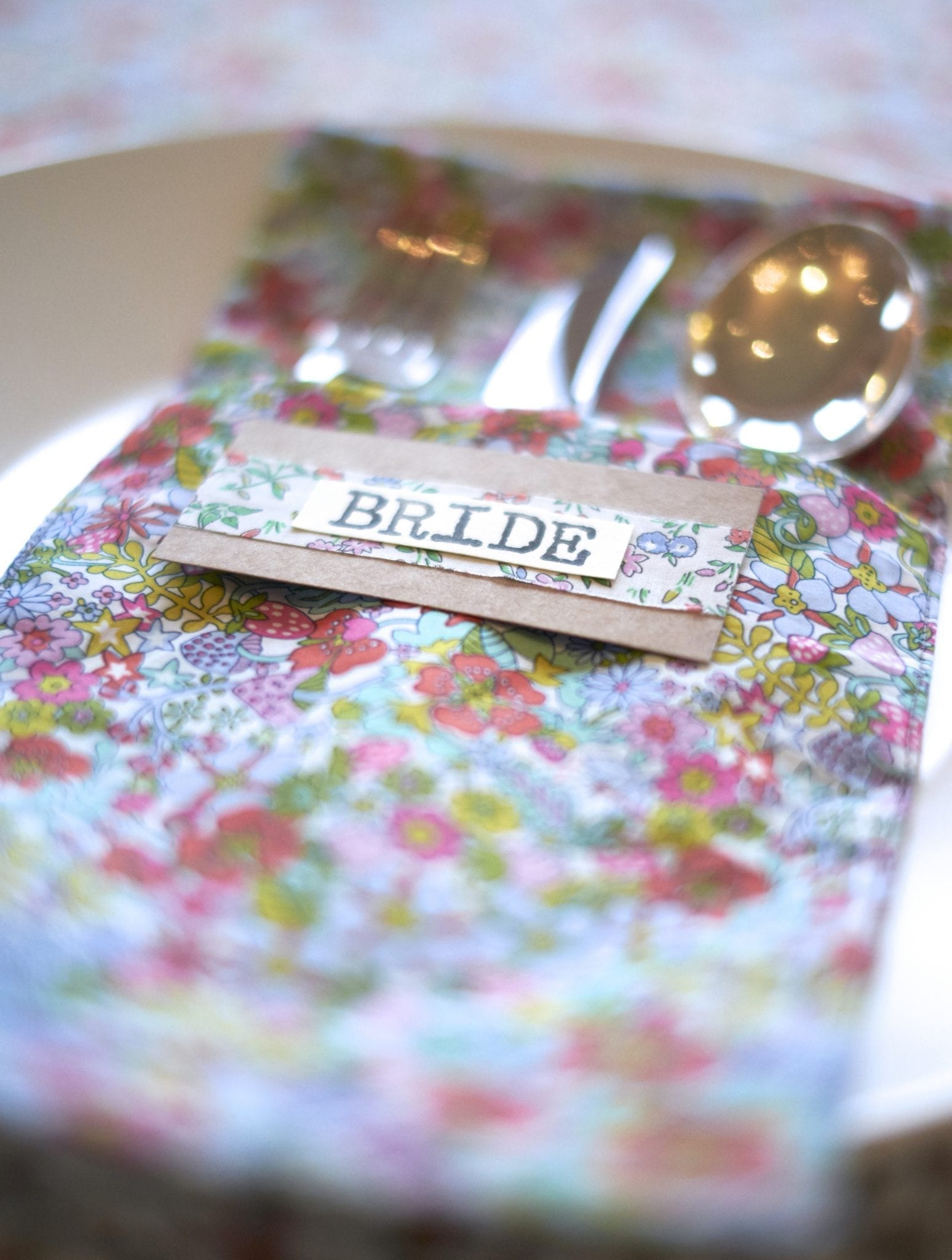How to DIY wedding Napkins