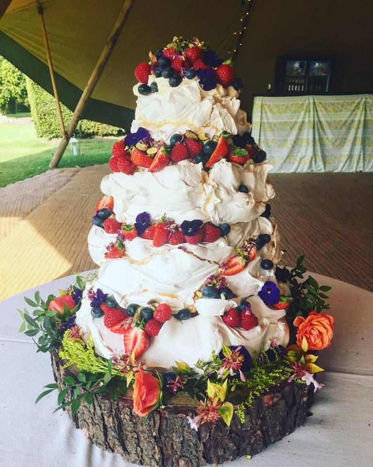 Pavlova wedding cake