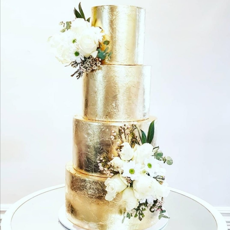 Gold Wedding cake ideas