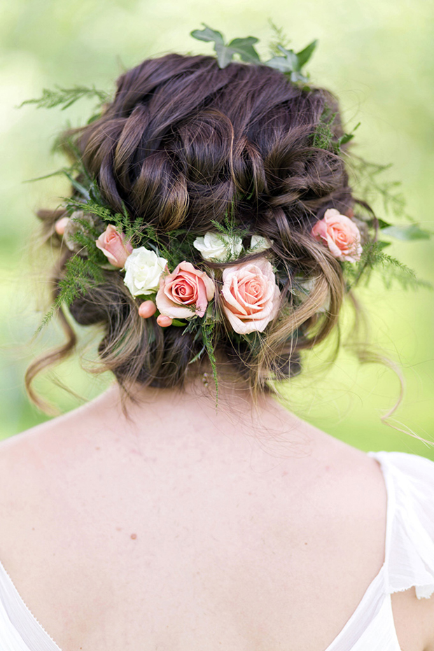 Brides hair with roses