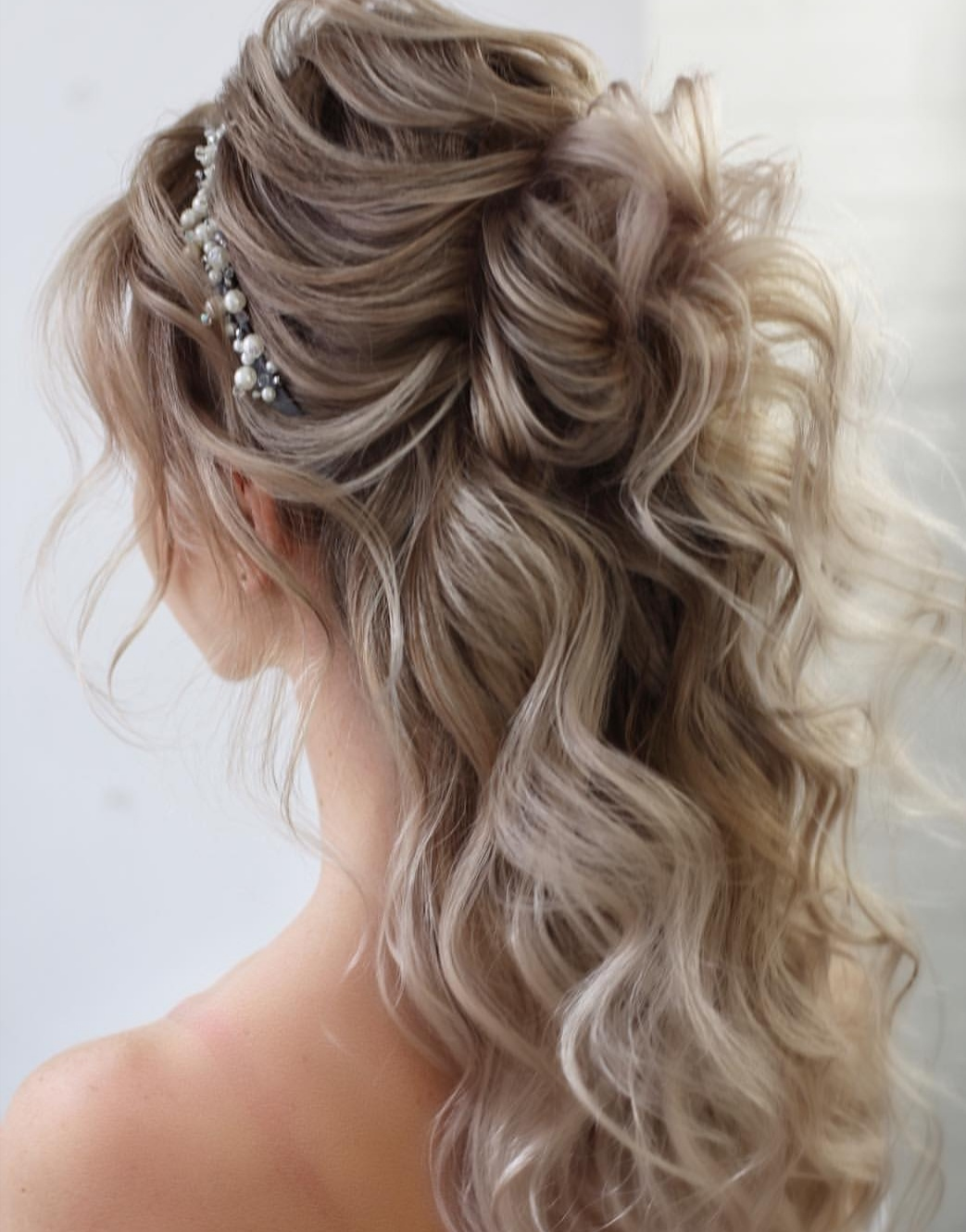 Half up Weddinghairstyles