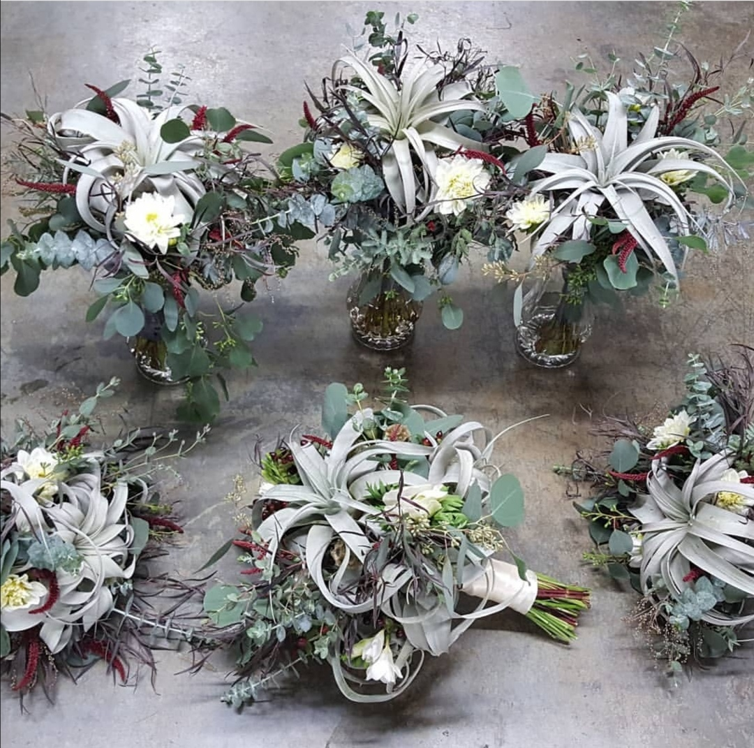 Airplant wedding flowers