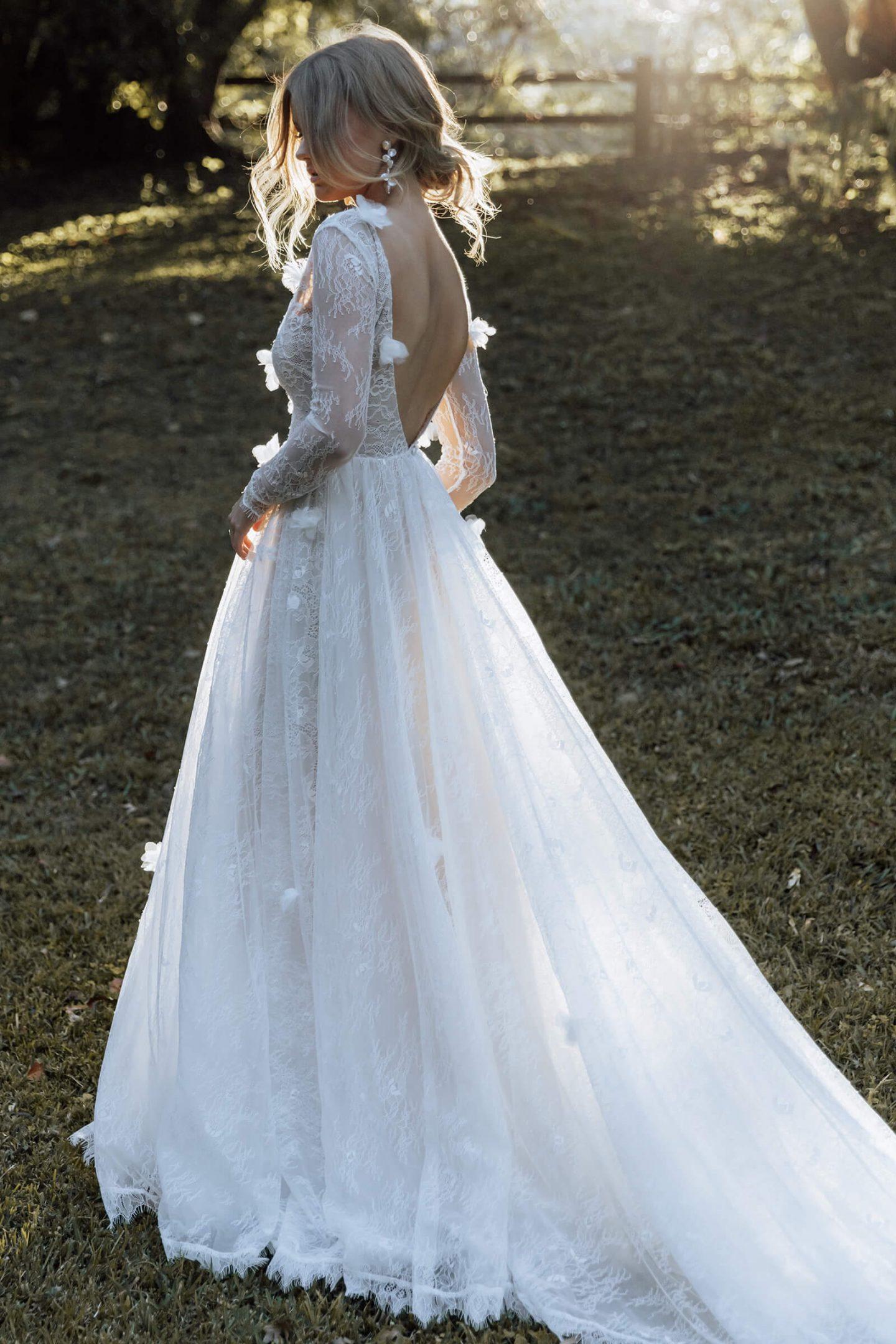 Long sleee wedding dress