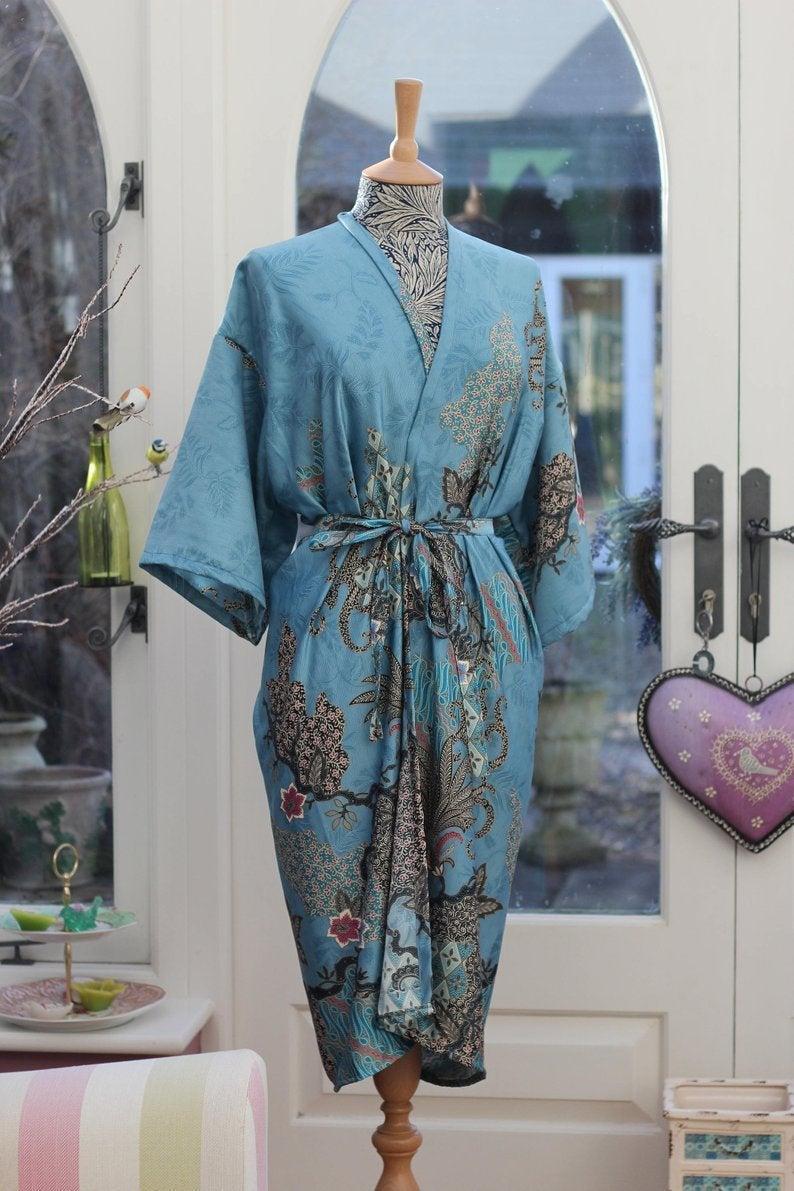 Kimono bridesmaid robe