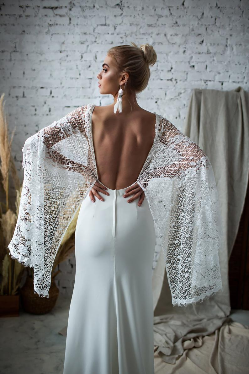 Backless kaftan wedding dress