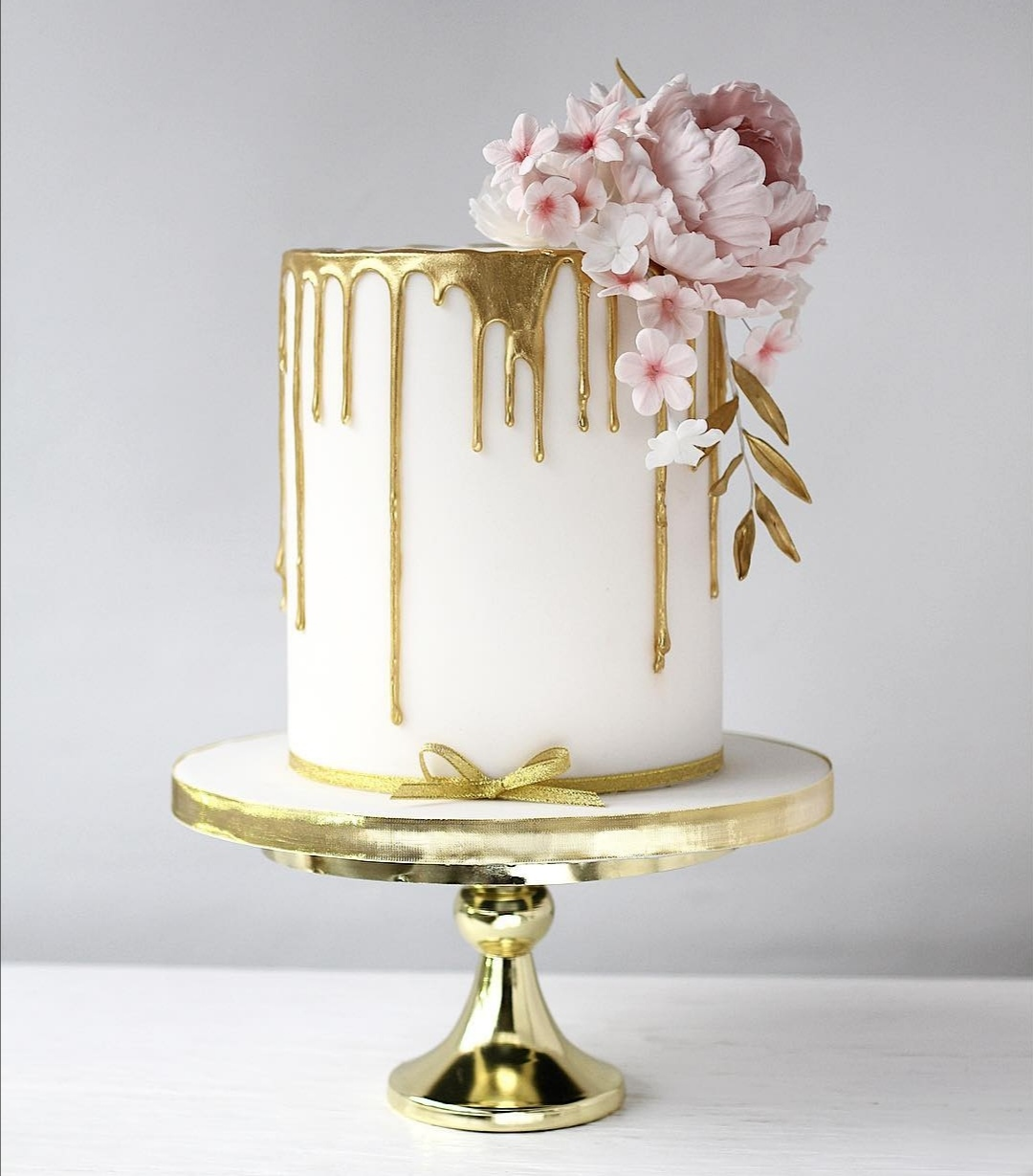 Gold Drip single tier wedding cake