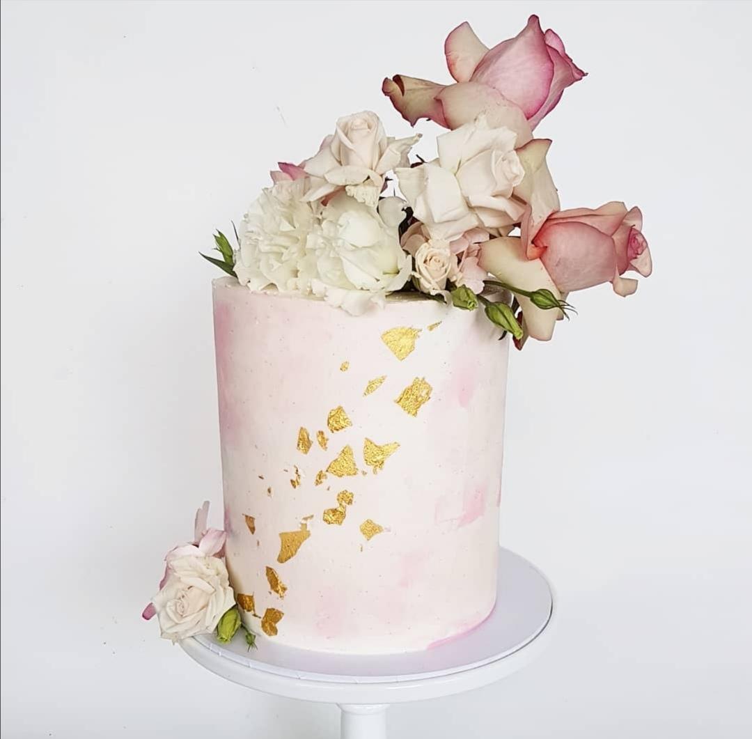 Gold leaf single tier wedding cake