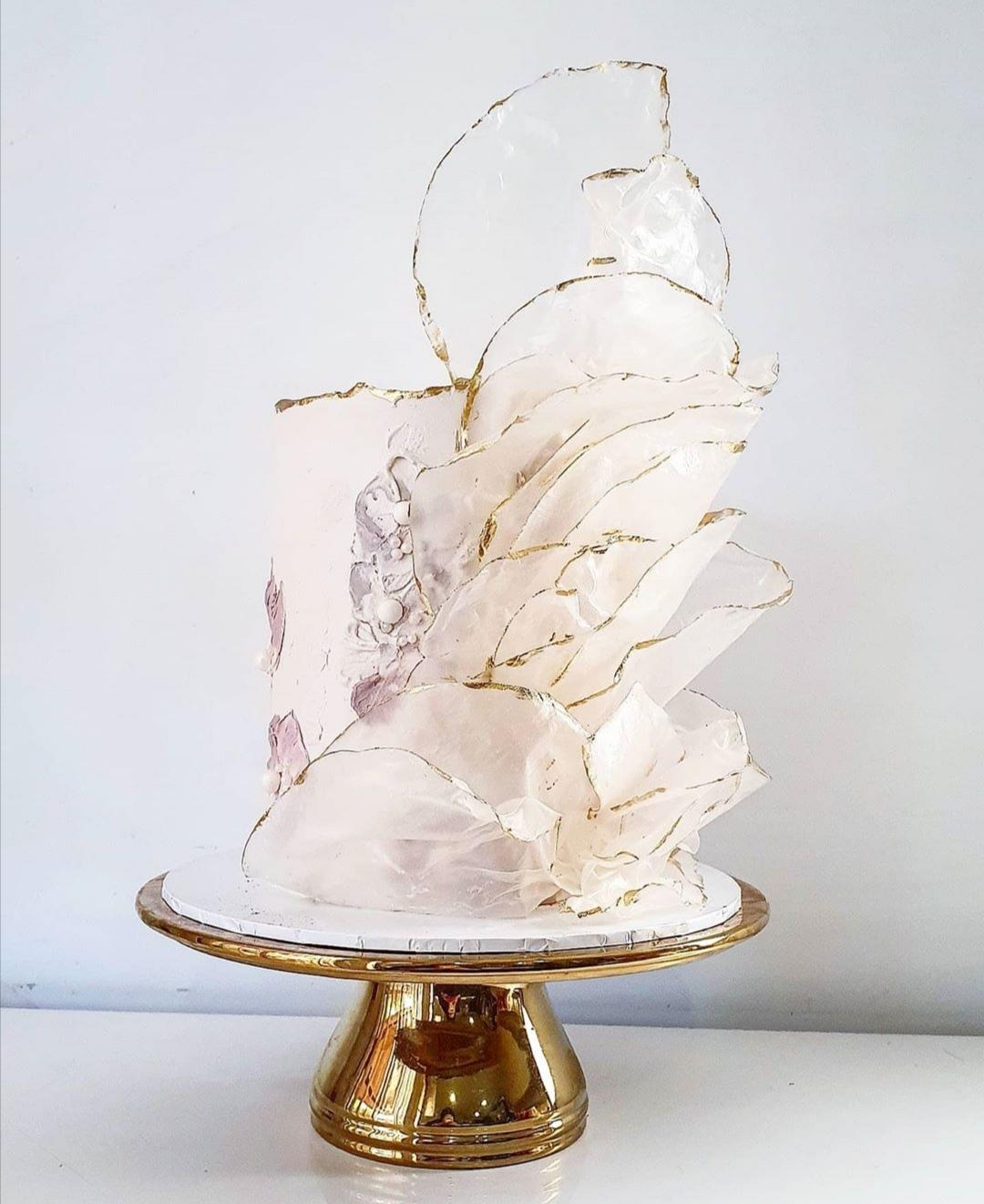 Single Tier white wedding cake